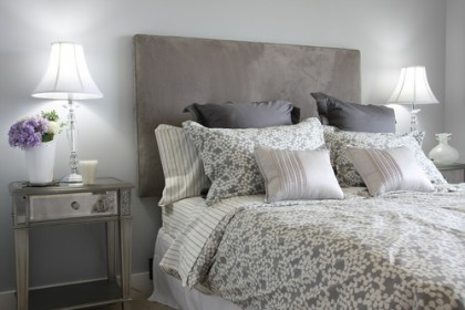 Ideeën voor een slaapkamer in landelijke stijl