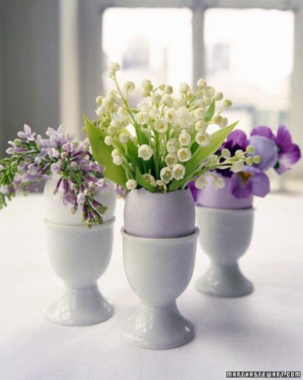 paaseitjes met bloem