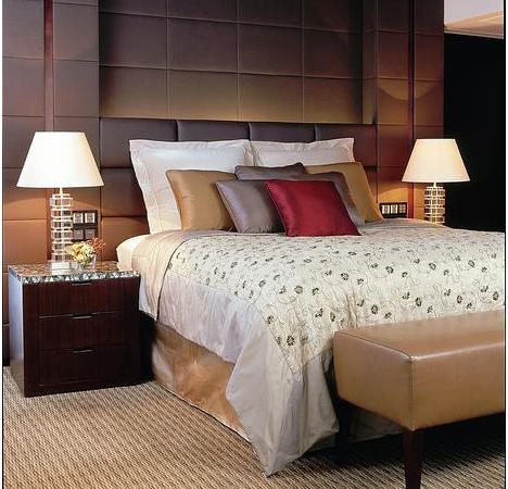 slapen in de luxe van een hotelkamer interieurkoningnl