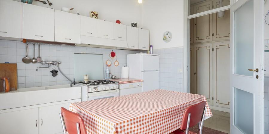 Een nieuwe keuken of de oude keuken opknappen - Deco oude keuken ...