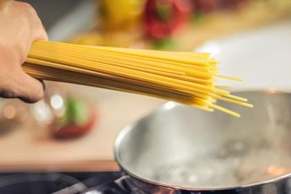 5 Handige keukenhulpen voor internationaal koken